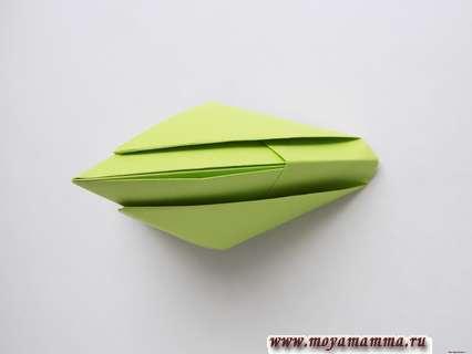 Как сделать пилотку оригами. Расправляем нижнюю часть
