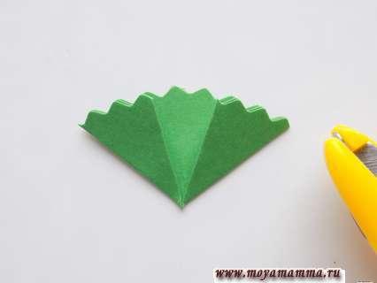 Гвоздика в технике оригами. Оформление края