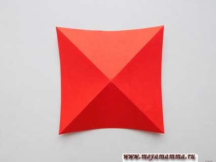 Сгибание квадратов по диагоналям