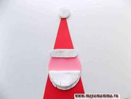 Дед мороз из ватных дисков. Приклеивание бороды