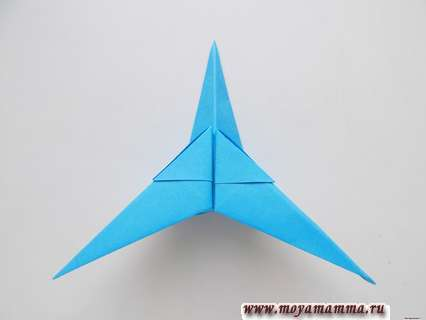 Самолет оригами для детей. Закрепление другого крыла
