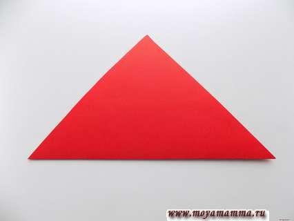 Сгибание красного квадрата по диагонали
