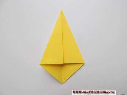 Складывание боков к намеченной диагонали