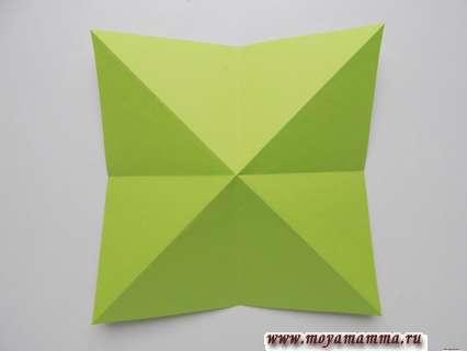 Сгибы по диагонали на квадратных заготовках