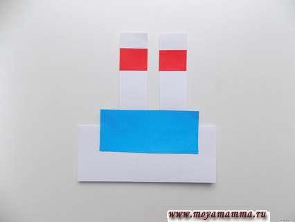Приклеивание голубого прямоугольника