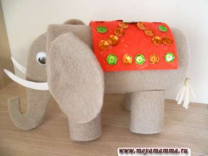 слон из втулки