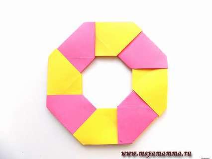 Оригами трансформер. Скрепляем между собой крайние модули.