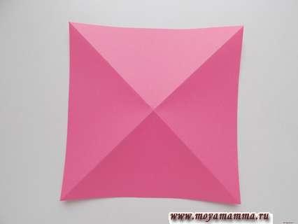 диагональные сгибы на этой квадратной заготовке