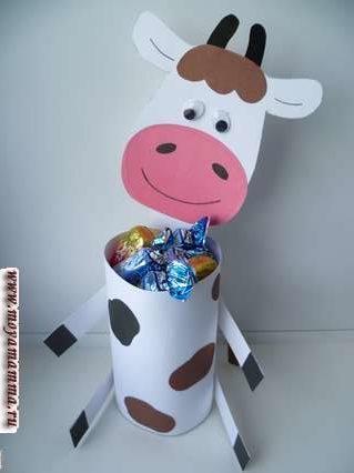 Поделка Корова с конфетами