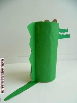 крокодил из втулки со спины