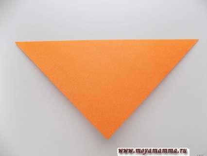 Складывание квадратной заготовки по диагонали.
