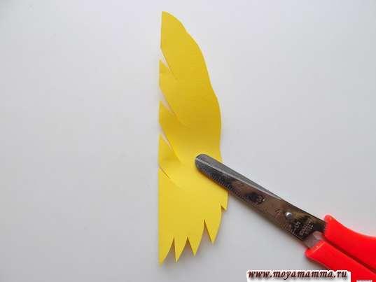 Крона для березы из желтой бумаги