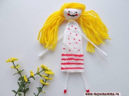 Куколка из подручных материалов
