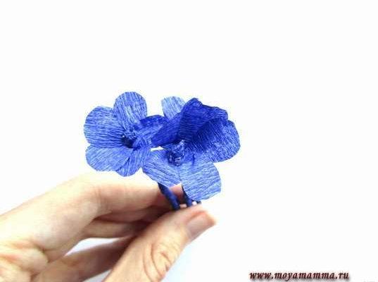 мелкоцвет из гофрированной бумаги