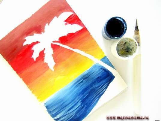 Рисование темно-синей гуашью