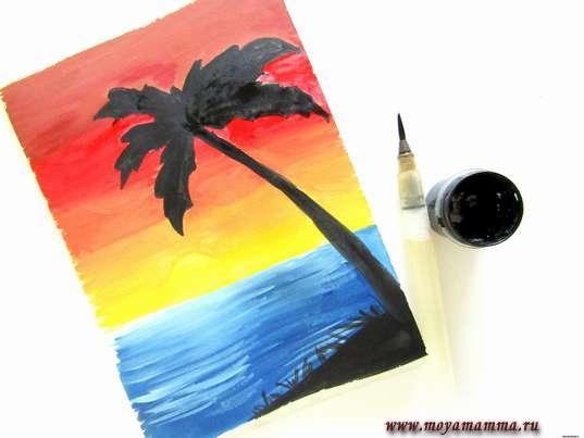 Пальма и берег черной гуашью