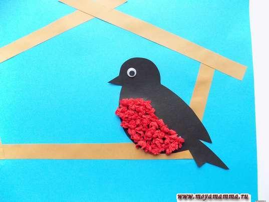 Аппликация птицы зимой. Снегирь в кормушке