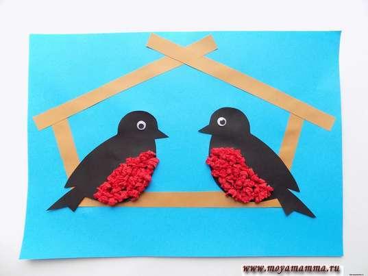 Аппликация птицы зимой. Две птички в кормушке