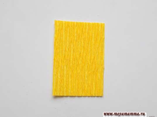 прямоугольник желтой гофрированной бумаги 2х3 см