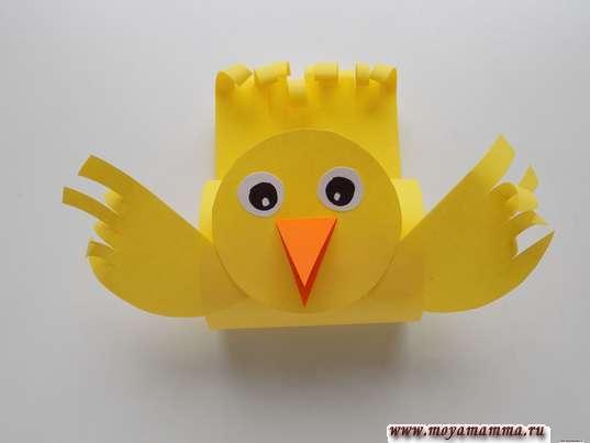 Простая птичка из бумаги. Приклеивание головы