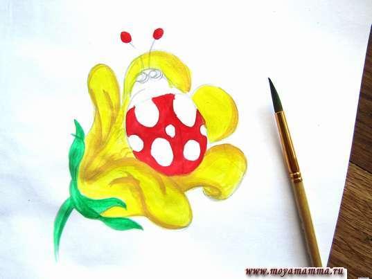 стебель и основание цветка светло-зеленой гуашью