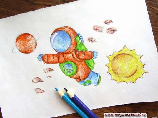 Рисование голубым и синим карандашом
