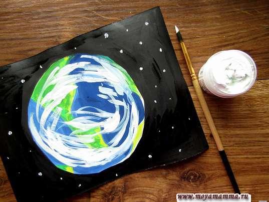 Рисование белой гуашью звезд