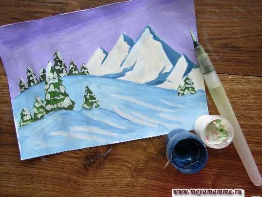 Прорабатывание рисунка белой гуашью