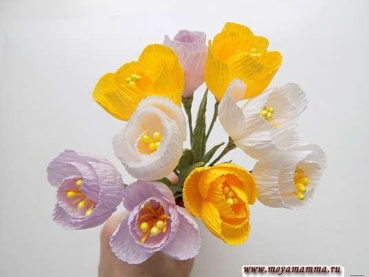 Цветы в коробке из бумаги. 9 цветов из бумаги желтого, белого и сиреневого цвета
