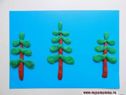 Зимний лес из пластилина. Три елочки из пластилина