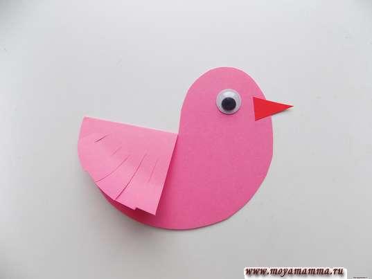 Птичка из розовой бумаги