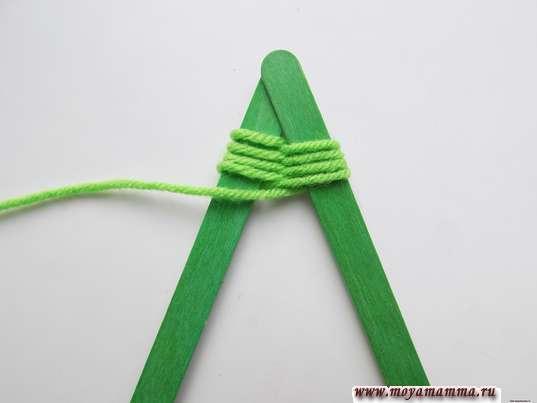 Плетение вокруг боковых палочек