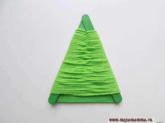Треугольник оплетенный нитями