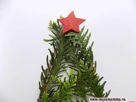 Украшение елочки звзездой из красного фоамирана
