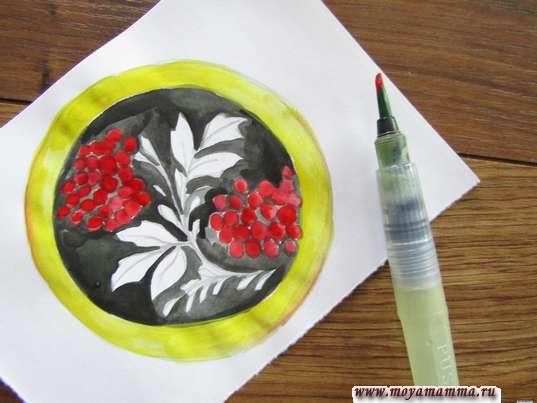 ягодки рябины красной гуашью