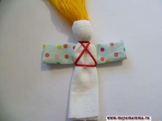 Кукла Веснянка. Выполнение креста на туловище