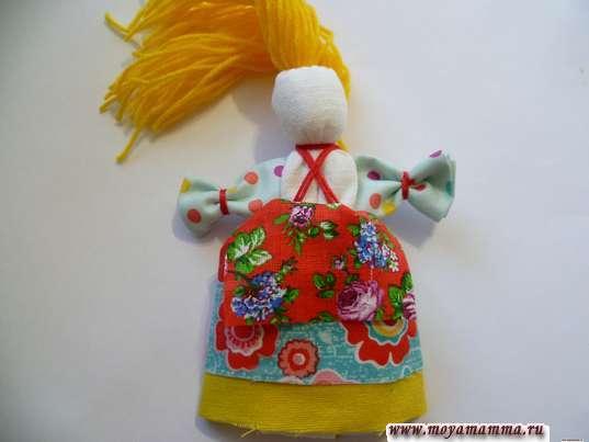 Кукла Веснянка. Выворачивание юбок с фартуком