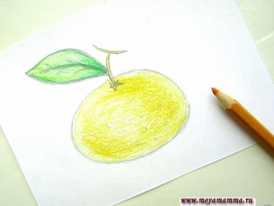 Рисование желтым карандашом с песочным оттенком