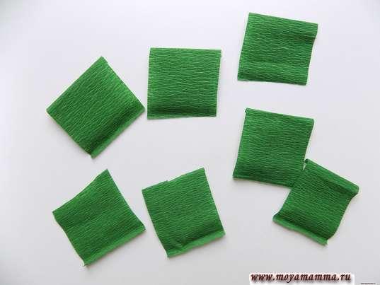 Квадраты из гофрированной бумаги 3х3 см