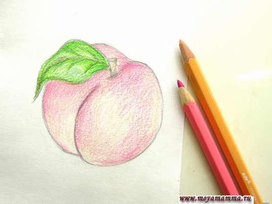Закрашивание бежевым и розовым карандашами