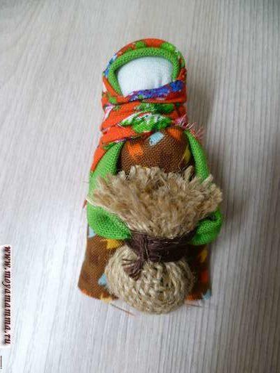 Кукла подорожница. Завязывание платка