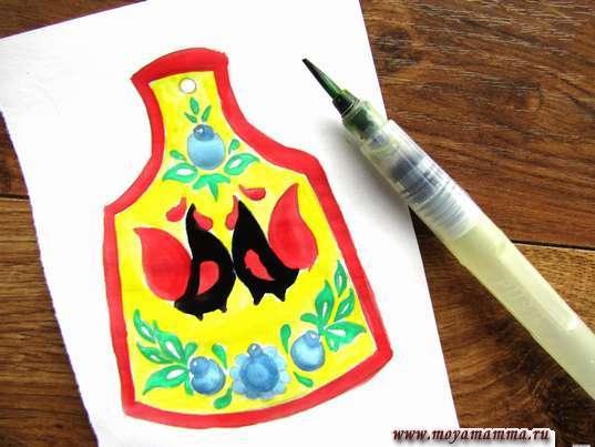 Рисунок мезенская роспись. Туловище петухов черной гуашью