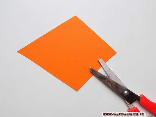 Четырехугольная деталь из бумаги