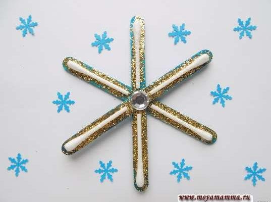 Снежинка палочками