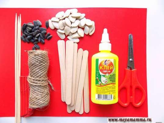 Цветы из природных материалов. Тыквенные семечки, семечки подсолнечника, палочки, клей, ножницы, жгут
