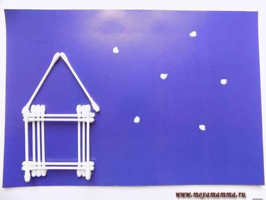 Нанесение клея для снега из ваты