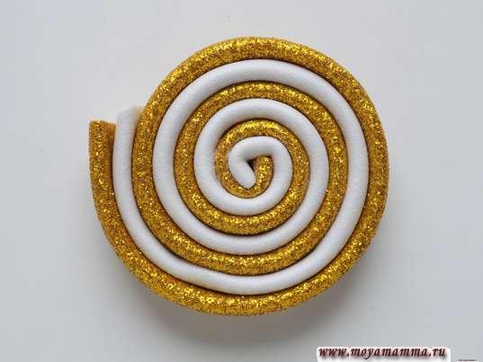 Игрушка конфета на елку. Скручивание в спираль