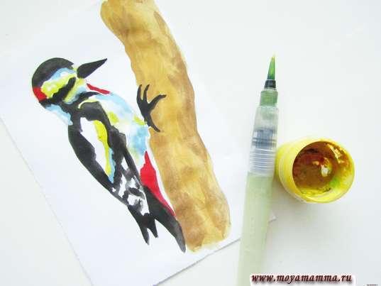 Рисование желтой гуашью