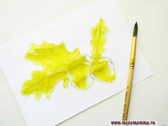 Закрашивание желтой гуашью