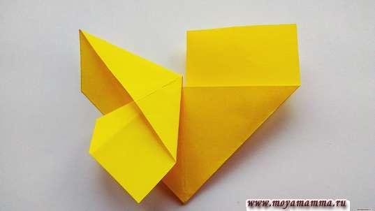 Закладка бабочка оригами. Разглаживание